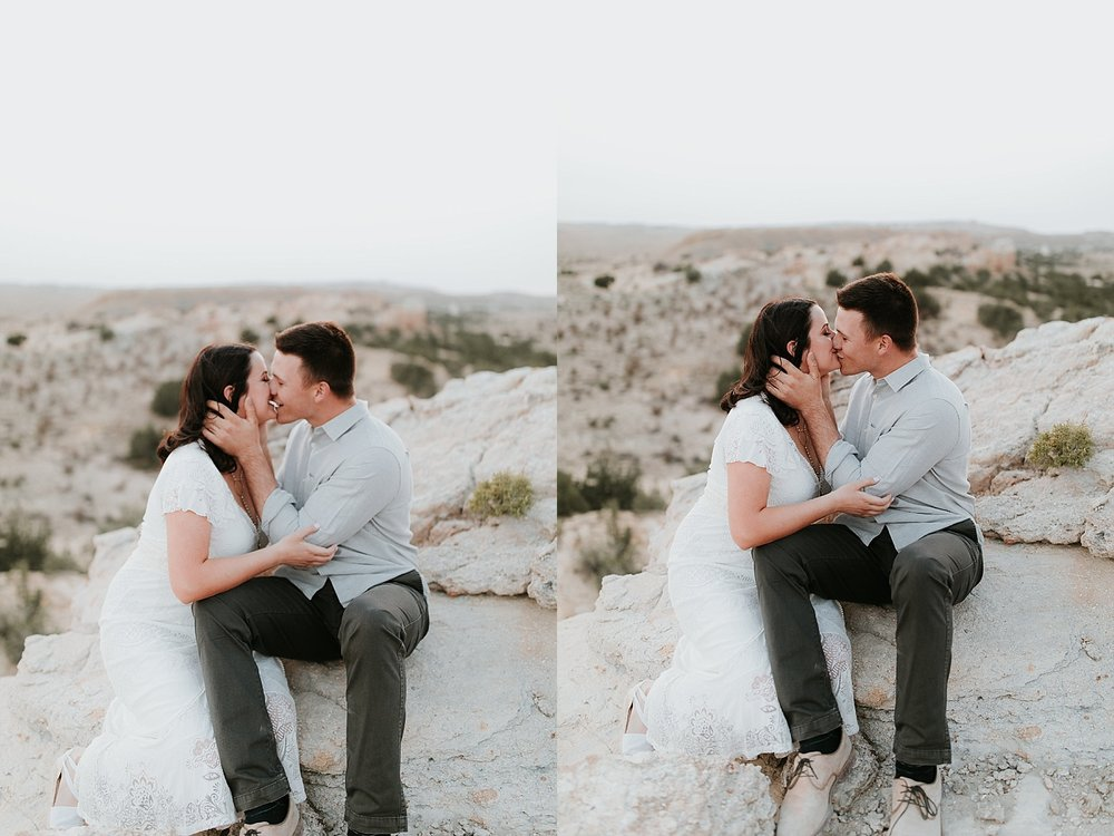Alicia+lucia+photography+-+albuquerque+wedding+photographer+-+santa+fe+wedding+photography+-+new+mexico+wedding+photographer+-+new+mexico+engagement+-+desert+engagement_0031.jpg