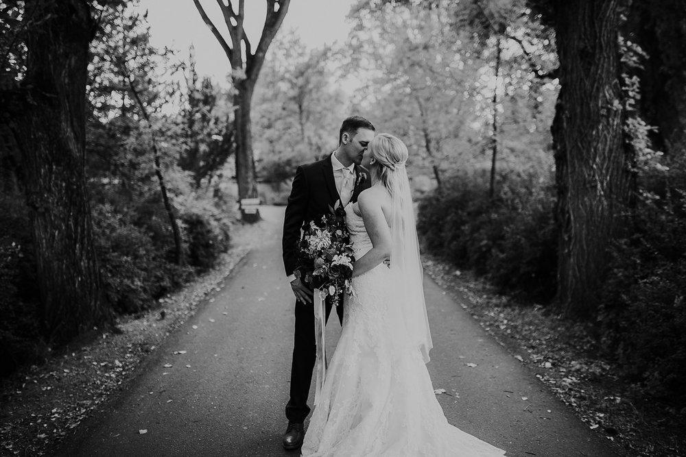 Alicia+lucia+photography+-+albuquerque+wedding+photographer+-+santa+fe+wedding+photography+-+new+mexico+wedding+photographer+-+los+poblanos+wedding+-+los+poblanos+fall+wedding_0081.jpg