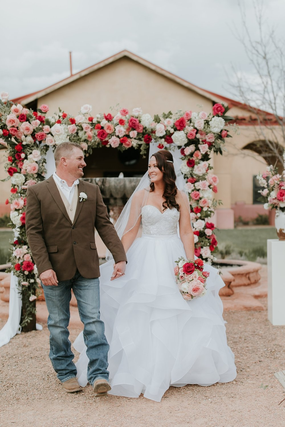 Alicia+lucia+photography+-+albuquerque+wedding+photographer+-+santa+fe+wedding+photography+-+new+mexico+wedding+photographer+-+new+mexico+engagement+-+la+mesita+ranch+wedding+-+la+mesita+ranch+spring+wedding_0047.jpg