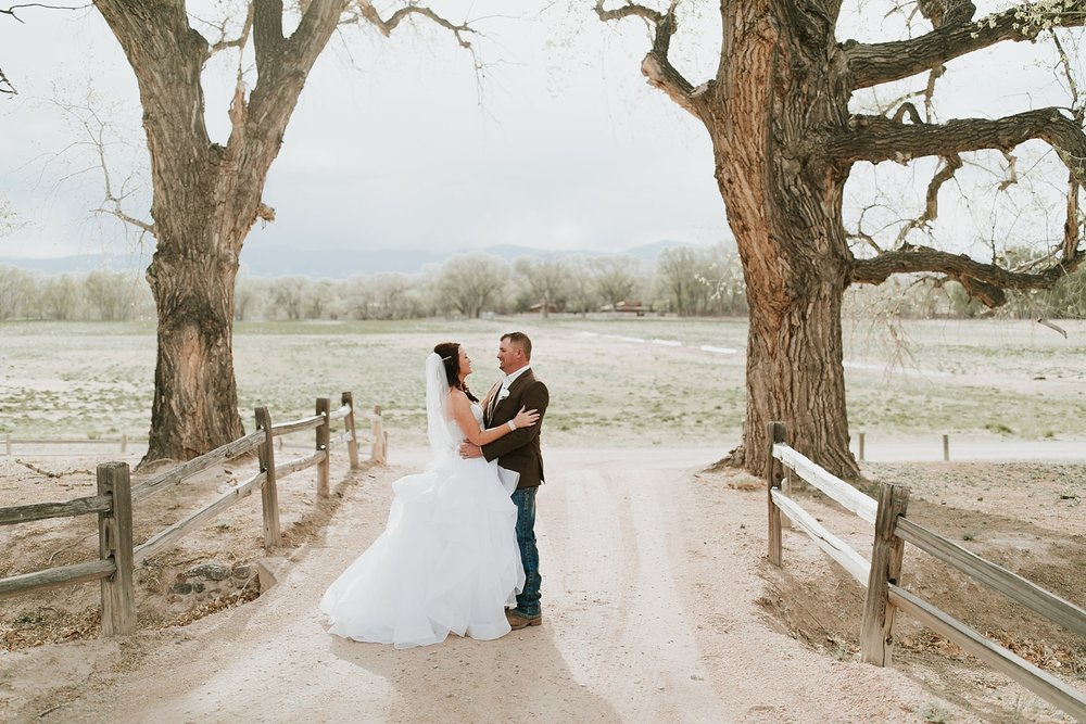 Alicia+lucia+photography+-+albuquerque+wedding+photographer+-+santa+fe+wedding+photography+-+new+mexico+wedding+photographer+-+new+mexico+engagement+-+la+mesita+ranch+wedding+-+la+mesita+ranch+spring+wedding_0063.jpg