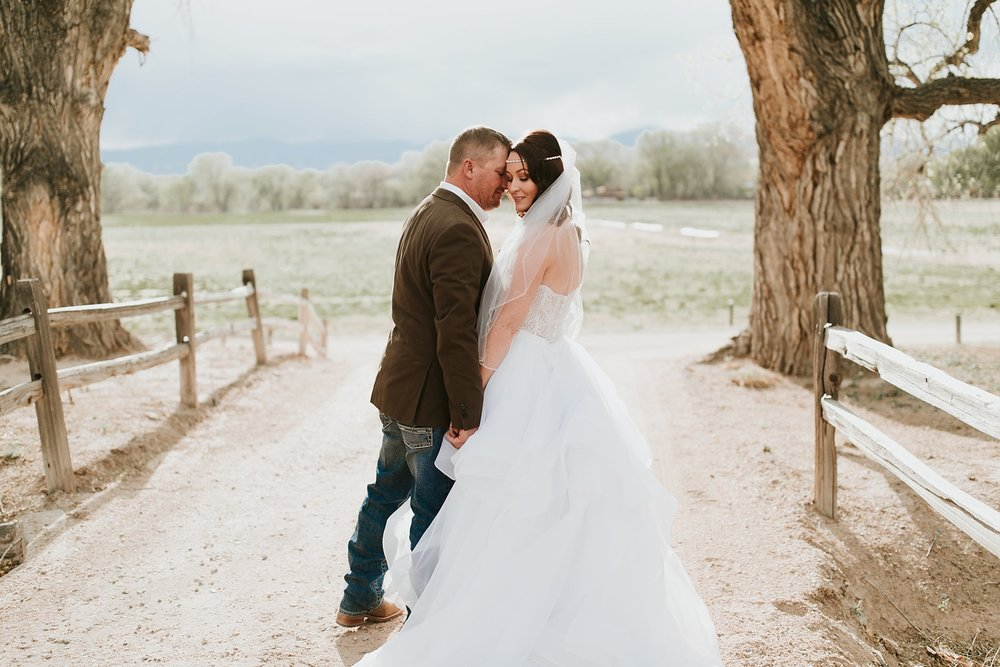 Alicia+lucia+photography+-+albuquerque+wedding+photographer+-+santa+fe+wedding+photography+-+new+mexico+wedding+photographer+-+new+mexico+engagement+-+la+mesita+ranch+wedding+-+la+mesita+ranch+spring+wedding_0070.jpg