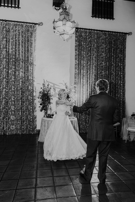 Alicia+lucia+photography+-+albuquerque+wedding+photographer+-+santa+fe+wedding+photography+-+new+mexico+wedding+photographer+-+la+fonda+wedding+-+la+fonda+fall+wedding+-+intimate+la+fonda+wedding_0051.jpg