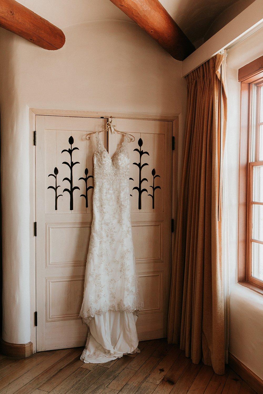 Alicia+lucia+photography+-+albuquerque+wedding+photographer+-+santa+fe+wedding+photography+-+new+mexico+wedding+photographer+-+la+fonda+wedding+-+la+fonda+winter+wedding_0005.jpg