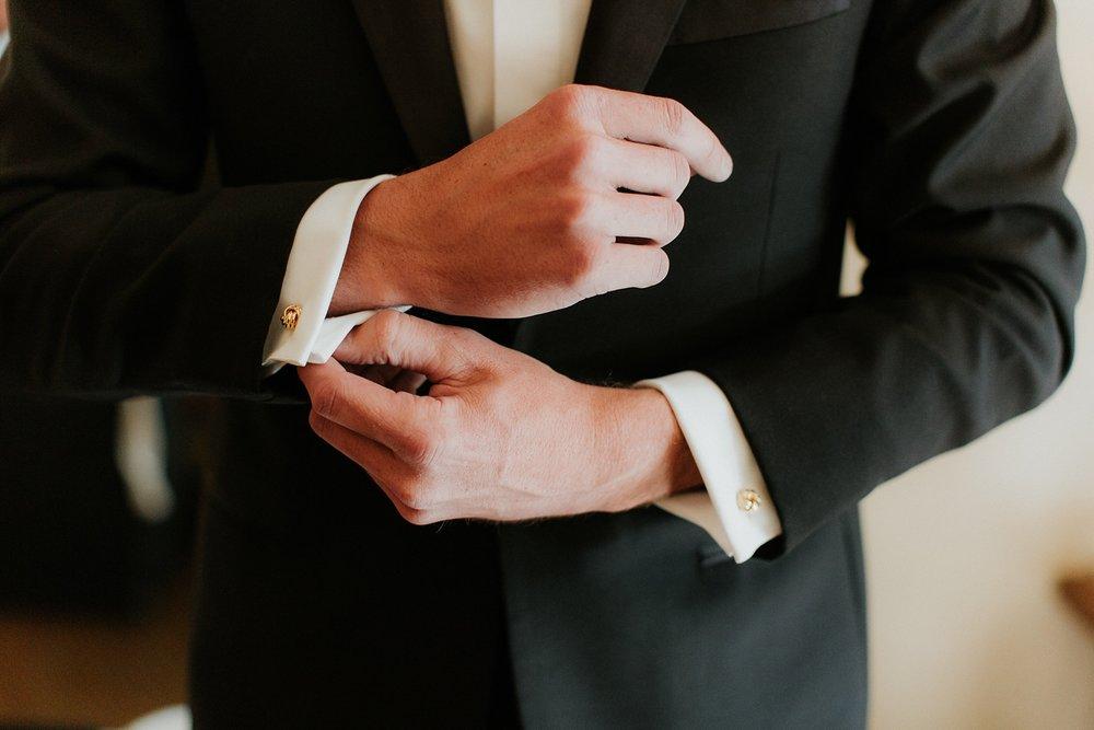 Alicia+lucia+photography+-+albuquerque+wedding+photographer+-+santa+fe+wedding+photography+-+new+mexico+wedding+photographer+-+la+fonda+wedding+-+la+fonda+winter+wedding_0021.jpg