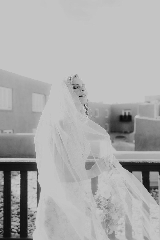 Alicia+lucia+photography+-+albuquerque+wedding+photographer+-+santa+fe+wedding+photography+-+new+mexico+wedding+photographer+-+la+fonda+wedding+-+la+fonda+winter+wedding_0033.jpg
