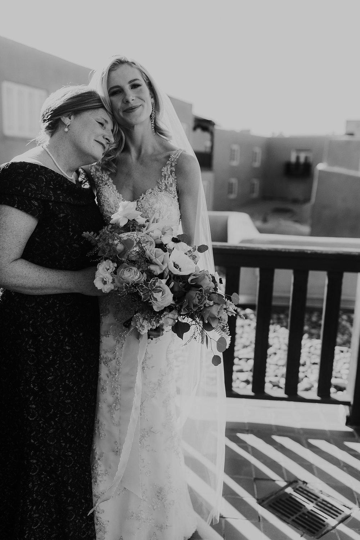 Alicia+lucia+photography+-+albuquerque+wedding+photographer+-+santa+fe+wedding+photography+-+new+mexico+wedding+photographer+-+la+fonda+wedding+-+la+fonda+winter+wedding_0036.jpg