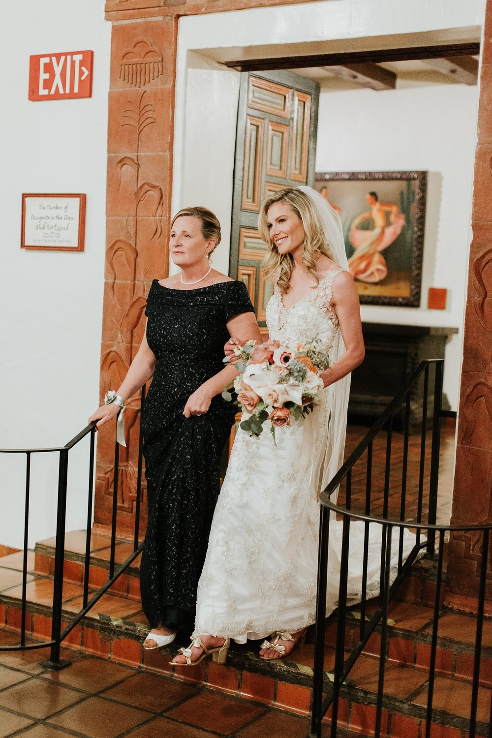 Alicia+lucia+photography+-+albuquerque+wedding+photographer+-+santa+fe+wedding+photography+-+new+mexico+wedding+photographer+-+la+fonda+wedding+-+la+fonda+winter+wedding_0075.jpg