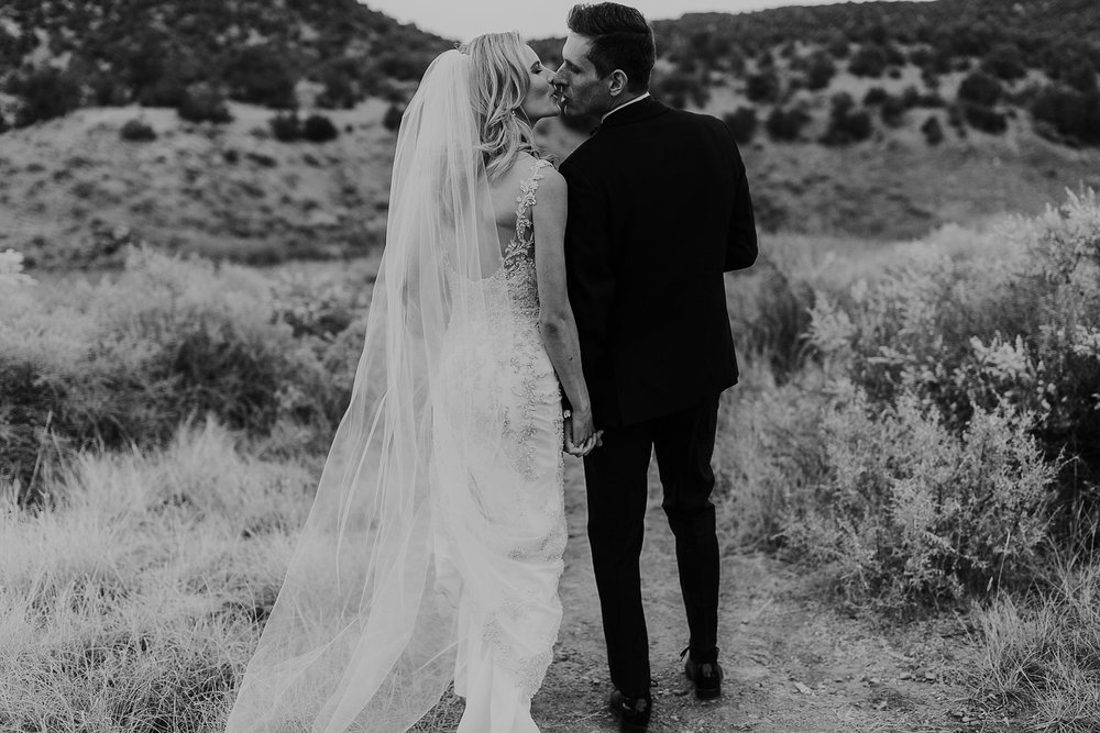Alicia+lucia+photography+-+albuquerque+wedding+photographer+-+santa+fe+wedding+photography+-+new+mexico+wedding+photographer+-+la+fonda+wedding+-+la+fonda+winter+wedding_0090.jpg