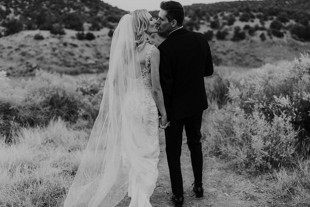 Alicia+lucia+photography+-+albuquerque+wedding+photographer+-+santa+fe+wedding+photography+-+new+mexico+wedding+photographer+-+la+fonda+wedding+-+la+fonda+winter+wedding_0090.jpg