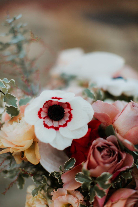 Alicia+lucia+photography+-+albuquerque+wedding+photographer+-+santa+fe+wedding+photography+-+new+mexico+wedding+photographer+-+la+fonda+wedding+-+la+fonda+winter+wedding_0102.jpg