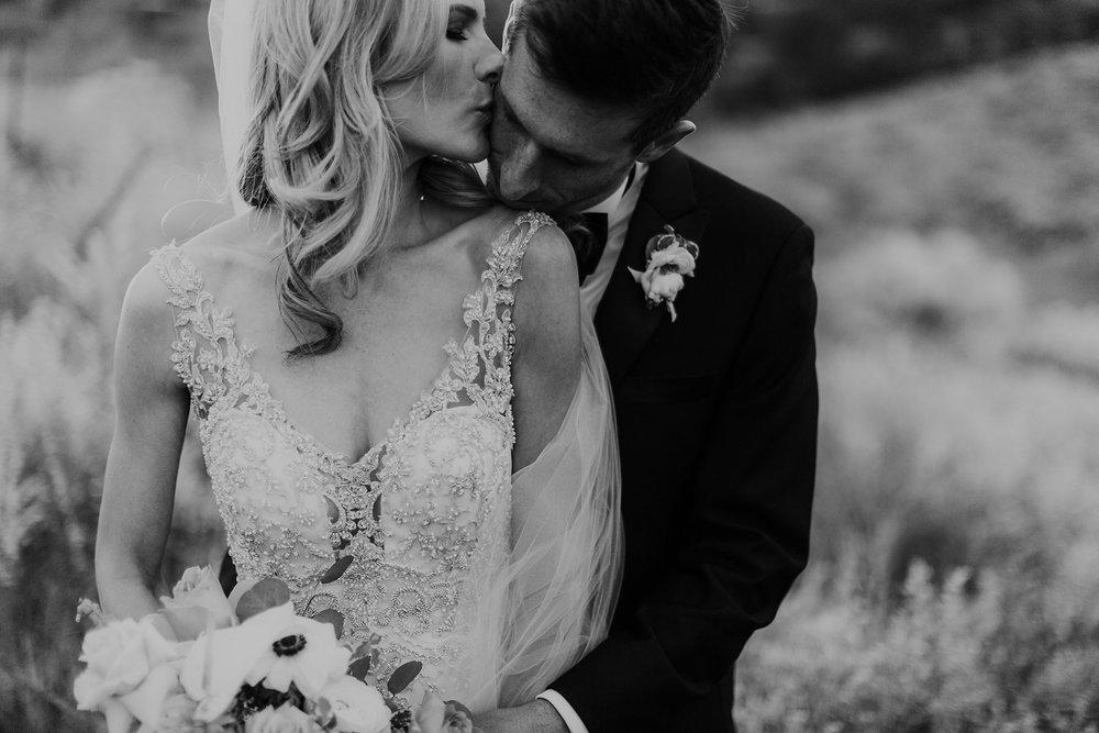 Alicia+lucia+photography+-+albuquerque+wedding+photographer+-+santa+fe+wedding+photography+-+new+mexico+wedding+photographer+-+la+fonda+wedding+-+la+fonda+winter+wedding_0111.jpg
