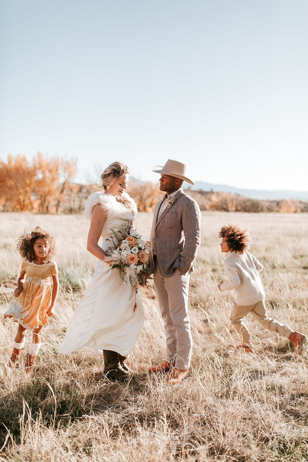 Alicia+lucia+photography+-+albuquerque+wedding+photographer+-+santa+fe+wedding+photography+-+new+mexico+wedding+photographer+-+new+mexico+ghost+ranch+wedding+-+styled+wedding+shoot_0029.jpg