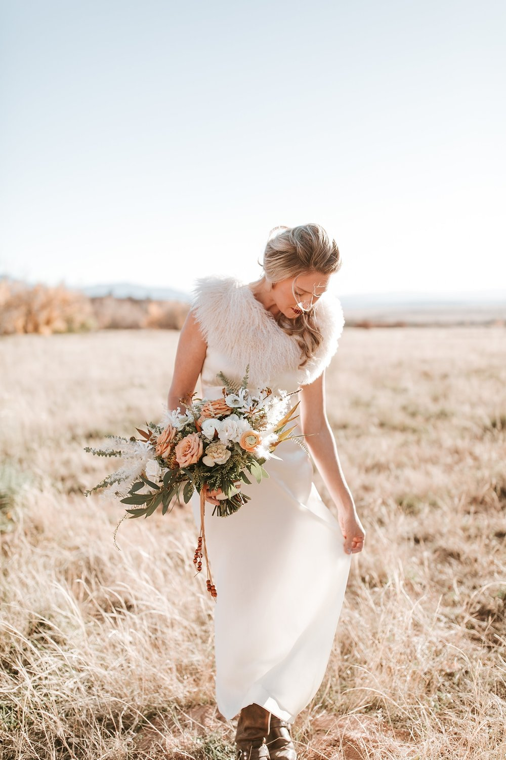 Alicia+lucia+photography+-+albuquerque+wedding+photographer+-+santa+fe+wedding+photography+-+new+mexico+wedding+photographer+-+new+mexico+ghost+ranch+wedding+-+styled+wedding+shoot_0030.jpg