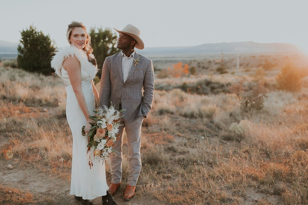Alicia+lucia+photography+-+albuquerque+wedding+photographer+-+santa+fe+wedding+photography+-+new+mexico+wedding+photographer+-+new+mexico+ghost+ranch+wedding+-+styled+wedding+shoot_0066.jpg