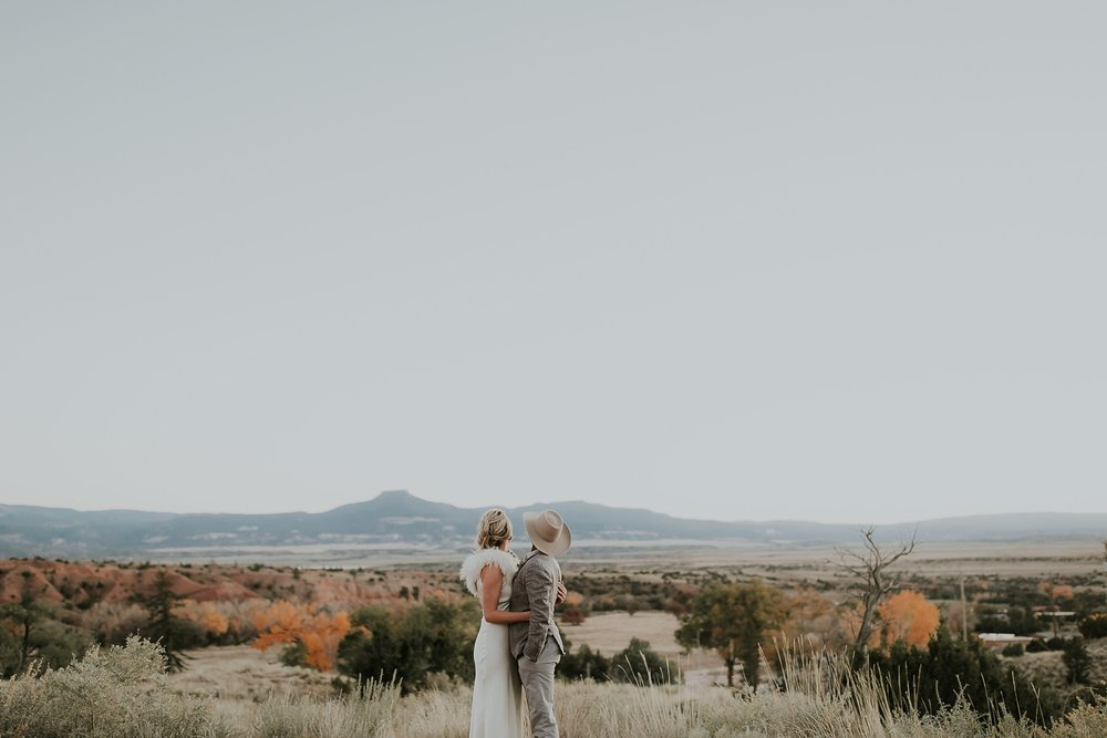 Alicia+lucia+photography+-+albuquerque+wedding+photographer+-+santa+fe+wedding+photography+-+new+mexico+wedding+photographer+-+new+mexico+ghost+ranch+wedding+-+styled+wedding+shoot_0084.jpg