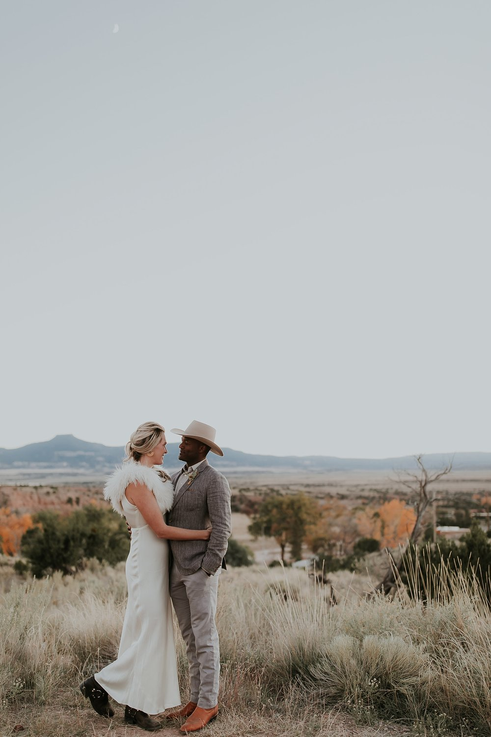 Alicia+lucia+photography+-+albuquerque+wedding+photographer+-+santa+fe+wedding+photography+-+new+mexico+wedding+photographer+-+new+mexico+ghost+ranch+wedding+-+styled+wedding+shoot_0083.jpg