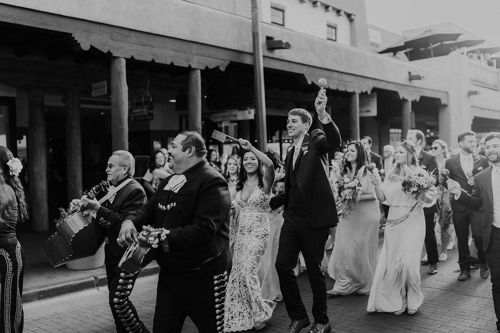 Alicia+lucia+photography+-+albuquerque+wedding+photographer+-+santa+fe+wedding+photography+-+new+mexico+wedding+photographer+-+new+mexico+wedding+-+la+fond+santa+fe+wedding+-+la+fonda+santa+fe+summer+wedding+-+bright+santa+fe+wedding_0081.jpg