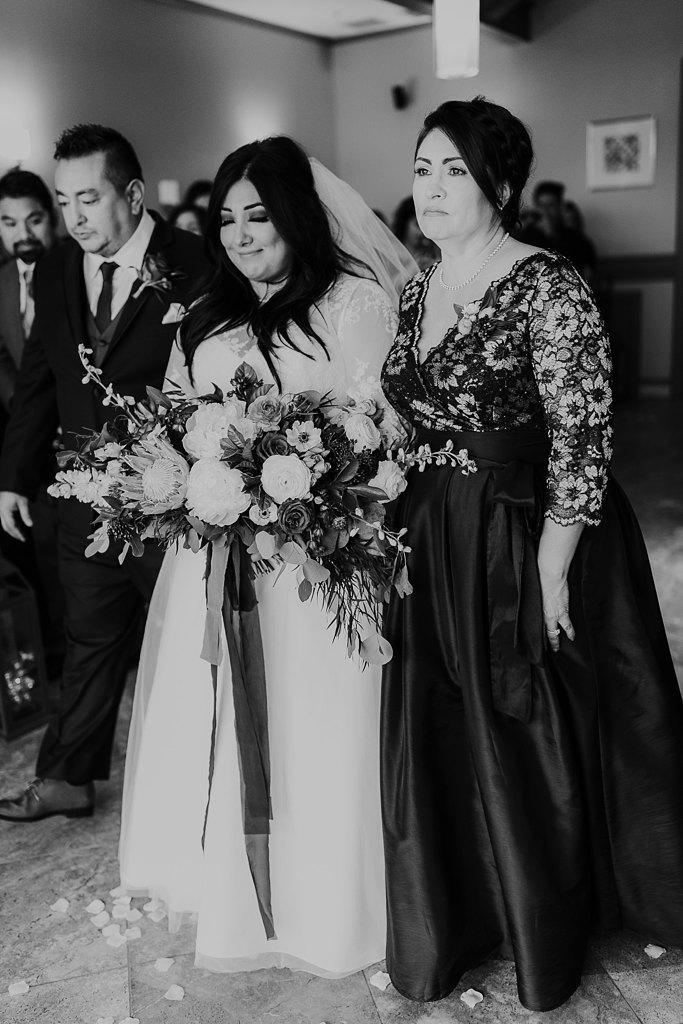 Alicia+lucia+photography+-+albuquerque+wedding+photographer+-+santa+fe+wedding+photography+-+new+mexico+wedding+photographer+-+albuquerque+winter+wedding+-+noahs+event+venue+wedding+-+noahs+event+venue+winter+wedding+-+new+mexico+winter+wedding_0047.jpg