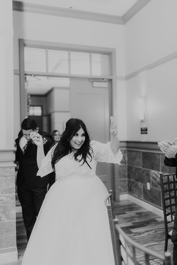 Alicia+lucia+photography+-+albuquerque+wedding+photographer+-+santa+fe+wedding+photography+-+new+mexico+wedding+photographer+-+albuquerque+winter+wedding+-+noahs+event+venue+wedding+-+noahs+event+venue+winter+wedding+-+new+mexico+winter+wedding_0096.jpg