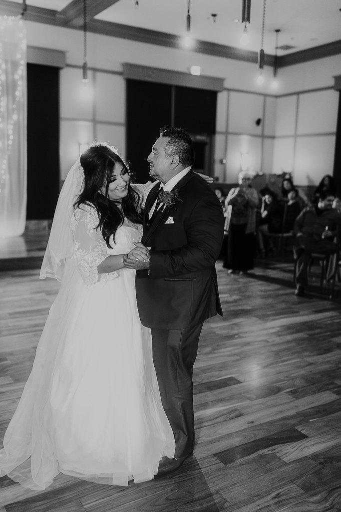 Alicia+lucia+photography+-+albuquerque+wedding+photographer+-+santa+fe+wedding+photography+-+new+mexico+wedding+photographer+-+albuquerque+winter+wedding+-+noahs+event+venue+wedding+-+noahs+event+venue+winter+wedding+-+new+mexico+winter+wedding_0107.jpg