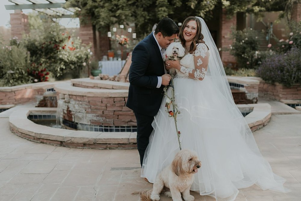 Alicia+lucia+photography+-+albuquerque+wedding+photographer+-+santa+fe+wedding+photography+-+new+mexico+wedding+photographer+-+albuquerque+wedding+-+santa+fe+wedding+-+dogs+in+weddings+-+wedding+dogs+-+real+weddings_0010.jpg