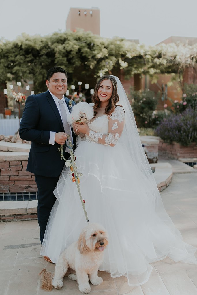 Alicia+lucia+photography+-+albuquerque+wedding+photographer+-+santa+fe+wedding+photography+-+new+mexico+wedding+photographer+-+albuquerque+wedding+-+santa+fe+wedding+-+dogs+in+weddings+-+wedding+dogs+-+real+weddings_0011.jpg