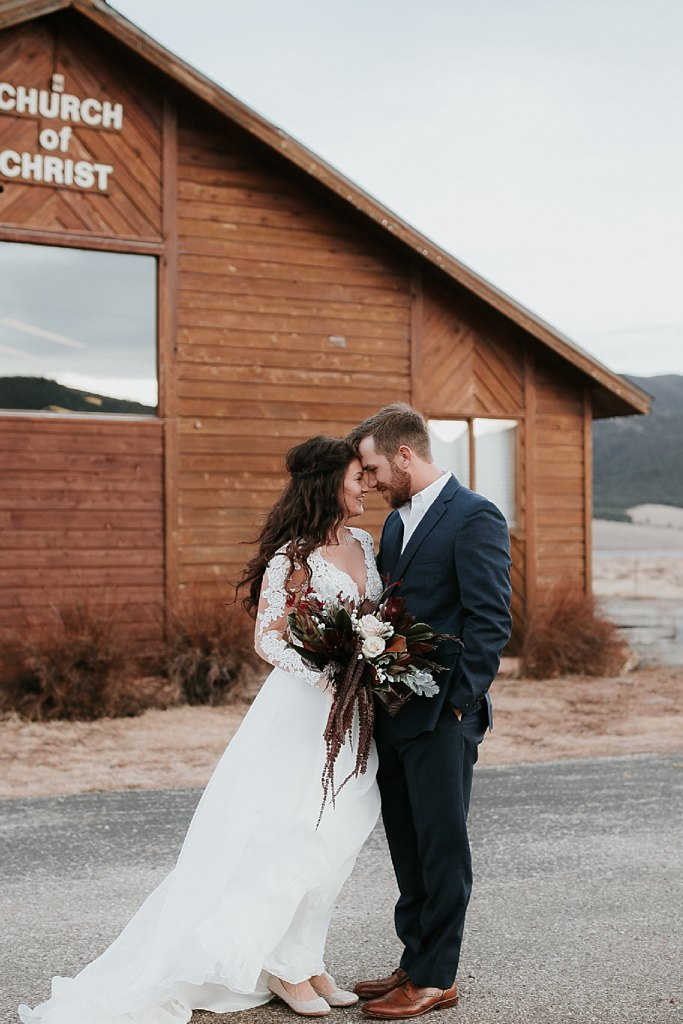 Alicia+lucia+photography+-+albuquerque+wedding+photographer+-+santa+fe+wedding+photography+-+new+mexico+wedding+photographer+-+eagles+nest+new+mexico+-+eagles+nest+wedding+-+eagles+nest+elopement+-+winter+wedding_0027.jpg
