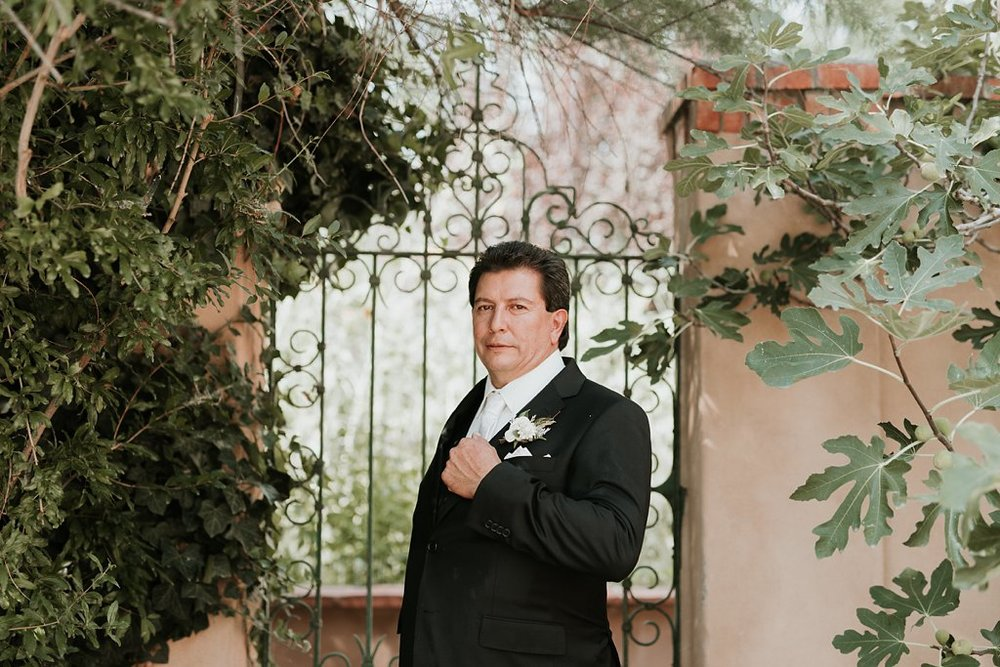 Alicia+lucia+photography+-+albuquerque+wedding+photographer+-+santa+fe+wedding+photography+-+new+mexico+wedding+photographer+-+los+poblanos+wedding+-+los+poblanos+august+wedding_0041.jpg