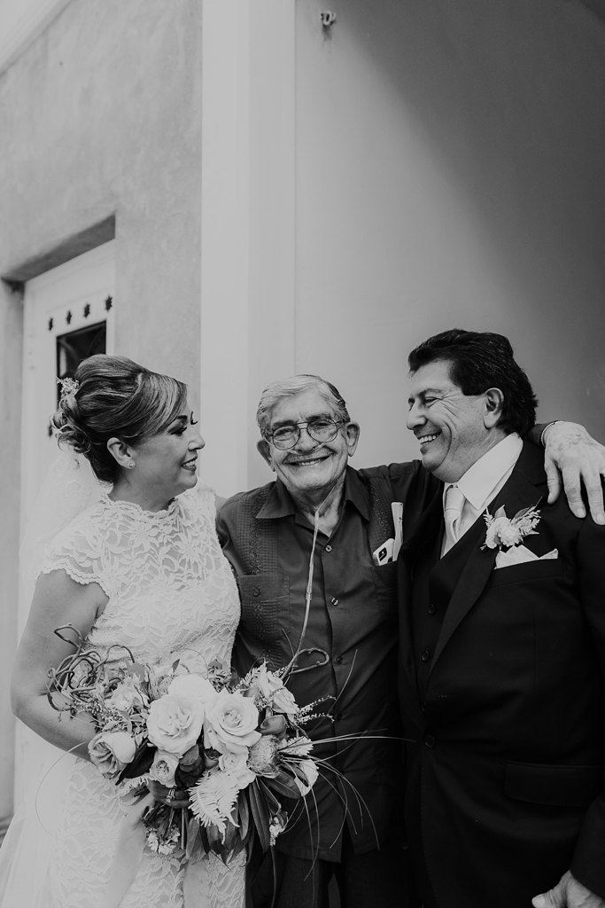 Alicia+lucia+photography+-+albuquerque+wedding+photographer+-+santa+fe+wedding+photography+-+new+mexico+wedding+photographer+-+los+poblanos+wedding+-+los+poblanos+august+wedding_0068.jpg