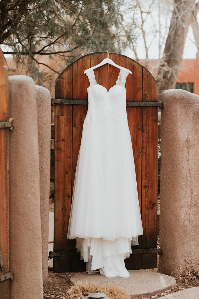 Alicia+lucia+photography+-+albuquerque+wedding+photographer+-+santa+fe+wedding+photography+-+new+mexico+wedding+photographer+-+taos+new+mexico+-+taos+wedding+-+el+monte+sagrado+wedding+-+winter+wedding_0011.jpg