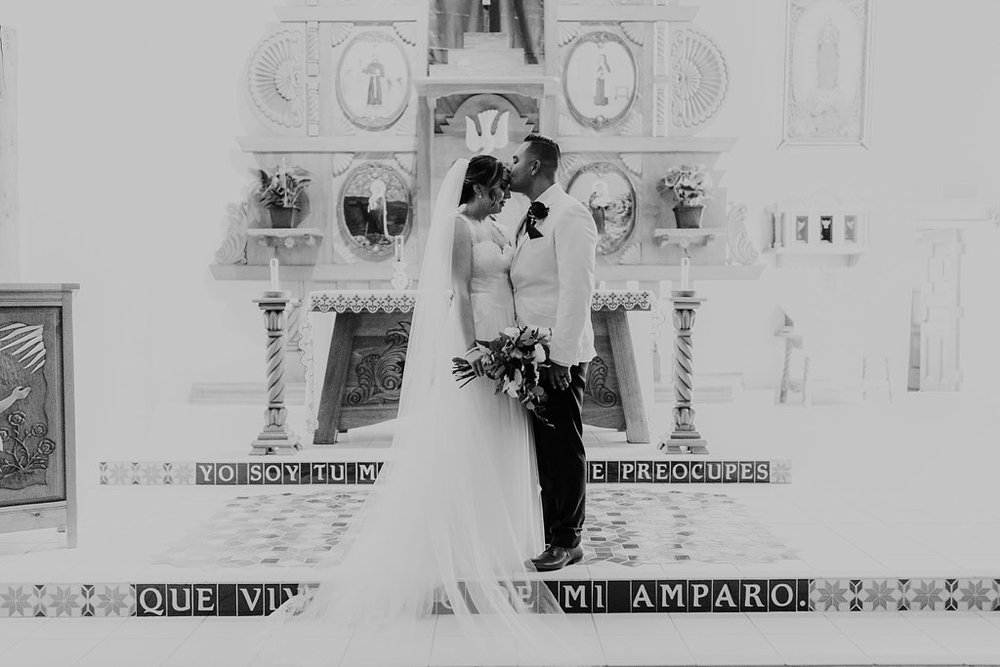 Alicia+lucia+photography+-+albuquerque+wedding+photographer+-+santa+fe+wedding+photography+-+new+mexico+wedding+photographer+-+taos+new+mexico+-+taos+wedding+-+el+monte+sagrado+wedding+-+winter+wedding_0059.jpg