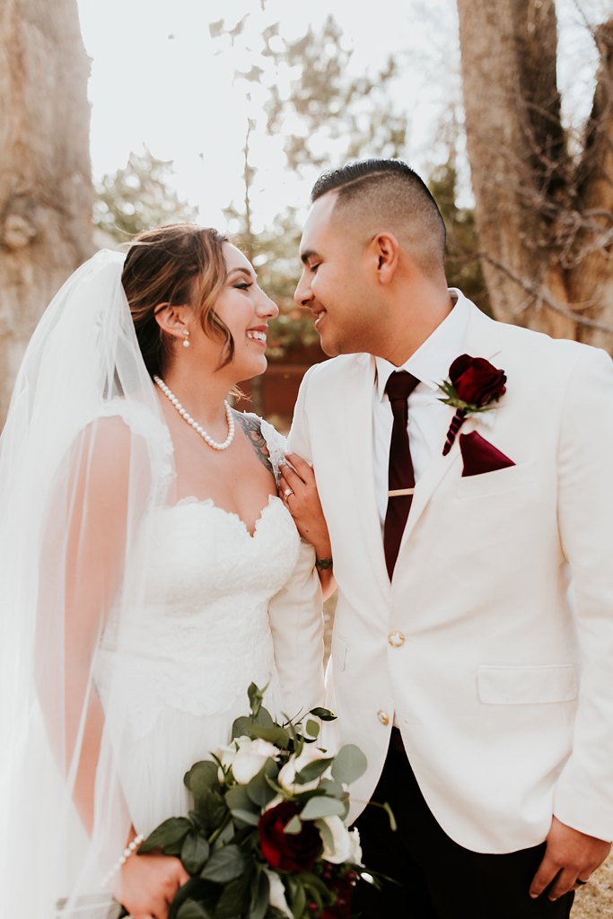 Alicia+lucia+photography+-+albuquerque+wedding+photographer+-+santa+fe+wedding+photography+-+new+mexico+wedding+photographer+-+taos+new+mexico+-+taos+wedding+-+el+monte+sagrado+wedding+-+winter+wedding_0075.jpg