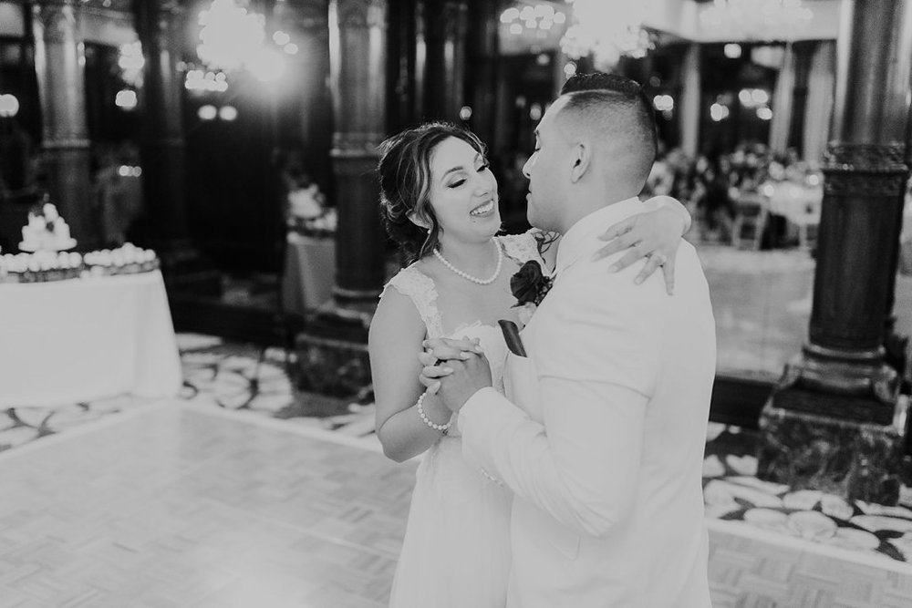 Alicia+lucia+photography+-+albuquerque+wedding+photographer+-+santa+fe+wedding+photography+-+new+mexico+wedding+photographer+-+taos+new+mexico+-+taos+wedding+-+el+monte+sagrado+wedding+-+winter+wedding_0109.jpg