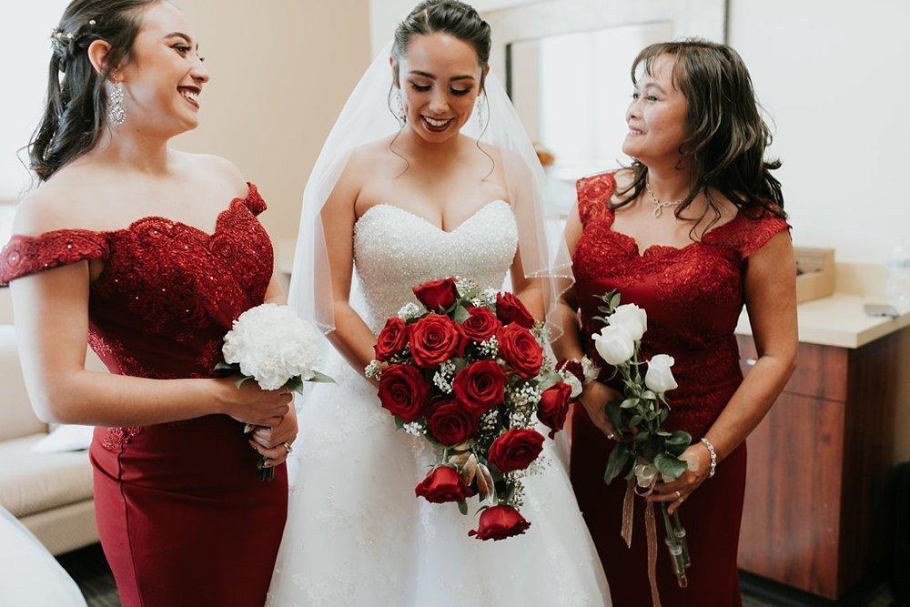 Alicia+lucia+photography+-+albuquerque+wedding+photographer+-+santa+fe+wedding+photography+-+new+mexico+wedding+photographer+-+albuquerque+wedding+-+albuquerque+winter+wedding_0010.jpg