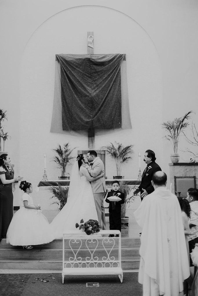 Alicia+lucia+photography+-+albuquerque+wedding+photographer+-+santa+fe+wedding+photography+-+new+mexico+wedding+photographer+-+albuquerque+wedding+-+albuquerque+winter+wedding_0031.jpg