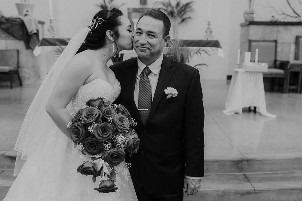 Alicia+lucia+photography+-+albuquerque+wedding+photographer+-+santa+fe+wedding+photography+-+new+mexico+wedding+photographer+-+albuquerque+wedding+-+albuquerque+winter+wedding_0043.jpg