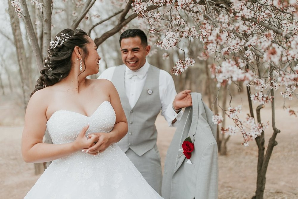 Alicia+lucia+photography+-+albuquerque+wedding+photographer+-+santa+fe+wedding+photography+-+new+mexico+wedding+photographer+-+albuquerque+wedding+-+albuquerque+winter+wedding_0061.jpg