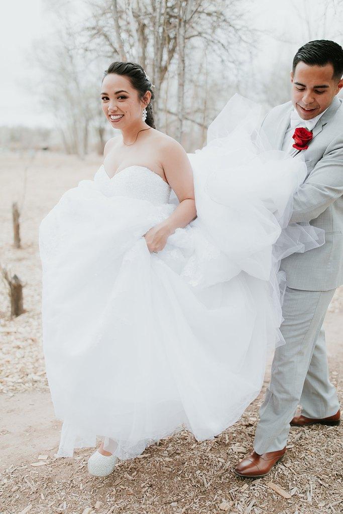 Alicia+lucia+photography+-+albuquerque+wedding+photographer+-+santa+fe+wedding+photography+-+new+mexico+wedding+photographer+-+albuquerque+wedding+-+albuquerque+winter+wedding_0077.jpg