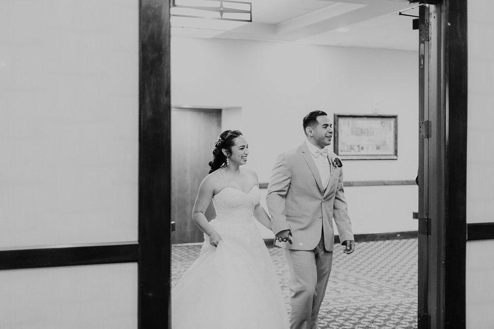 Alicia+lucia+photography+-+albuquerque+wedding+photographer+-+santa+fe+wedding+photography+-+new+mexico+wedding+photographer+-+albuquerque+wedding+-+albuquerque+winter+wedding_0085.jpg