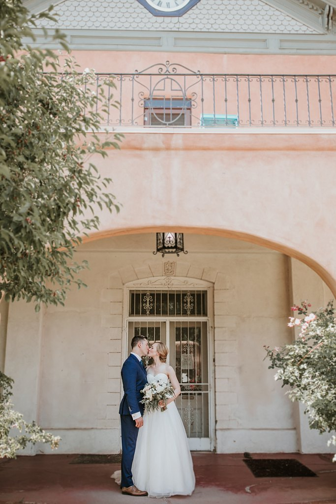 Alicia+lucia+photography+-+albuquerque+wedding+photographer+-+santa+fe+wedding+photography+-+new+mexico+wedding+photographer+-+old+town+albuquerque+wedding+-+el+zocalo+wedding+-+new+mexcio+spring+wedding_0061.jpg