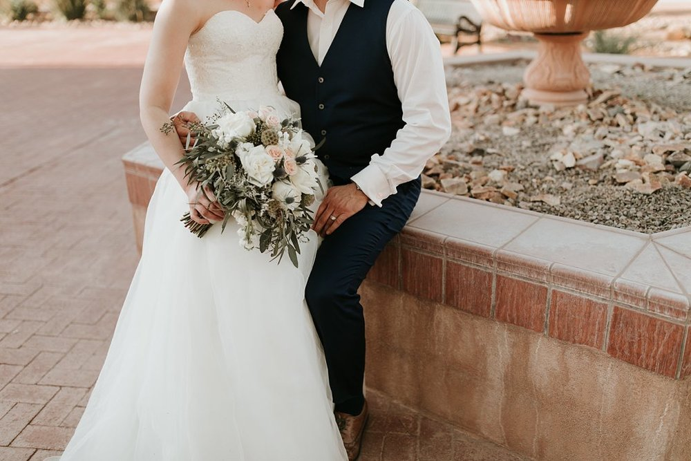 Alicia+lucia+photography+-+albuquerque+wedding+photographer+-+santa+fe+wedding+photography+-+new+mexico+wedding+photographer+-+old+town+albuquerque+wedding+-+el+zocalo+wedding+-+new+mexcio+spring+wedding_0102.jpg