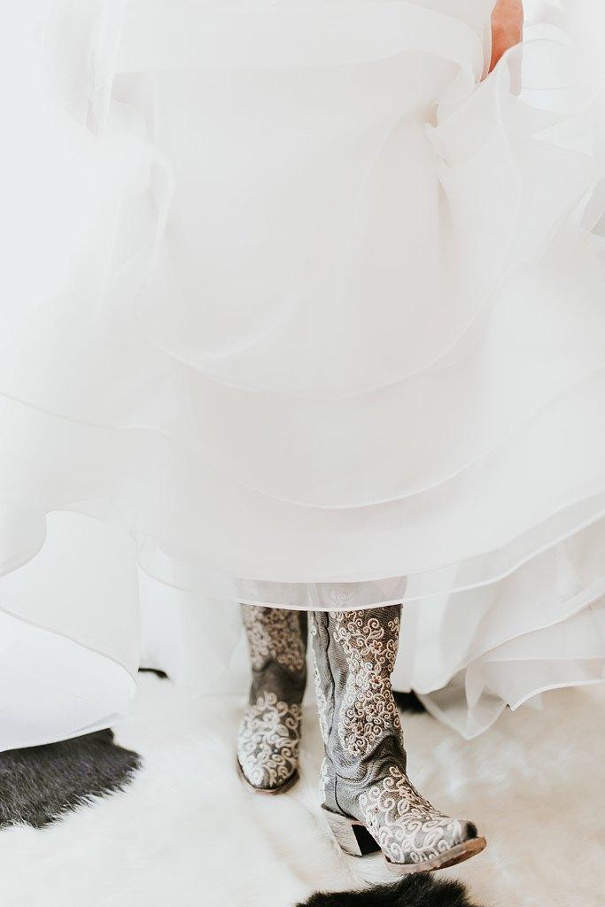 Alicia+lucia+photography+-+albuquerque+wedding+photographer+-+santa+fe+wedding+photography+-+new+mexico+wedding+photographer+-+albuquerque+wedding+-+paako+ridge+golf+club+-+paako+ridge+golf+club+wedding_0015.jpg