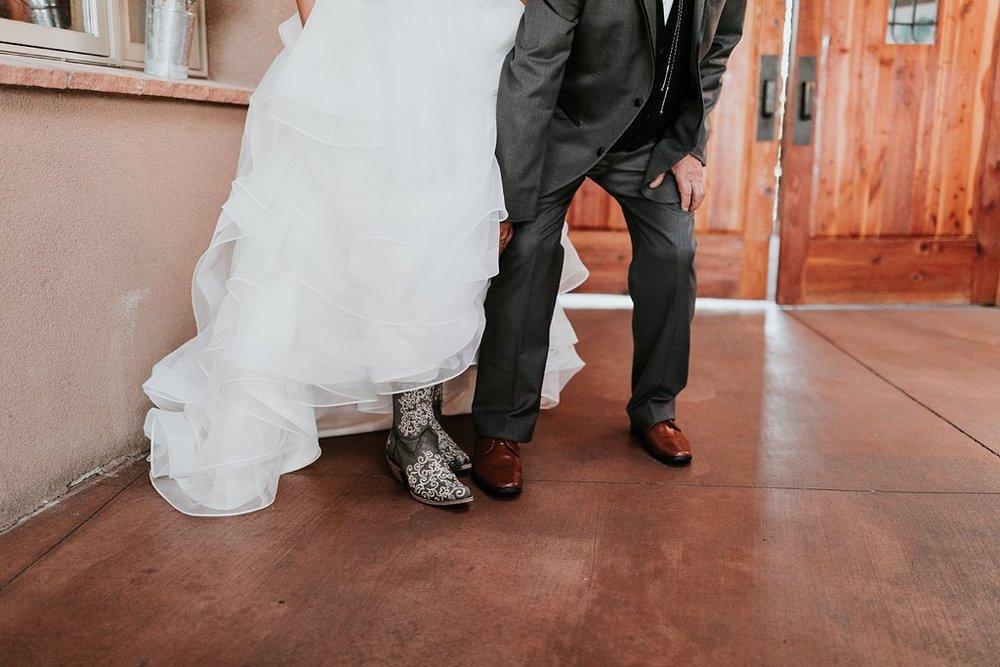 Alicia+lucia+photography+-+albuquerque+wedding+photographer+-+santa+fe+wedding+photography+-+new+mexico+wedding+photographer+-+albuquerque+wedding+-+paako+ridge+golf+club+-+paako+ridge+golf+club+wedding_0028.jpg