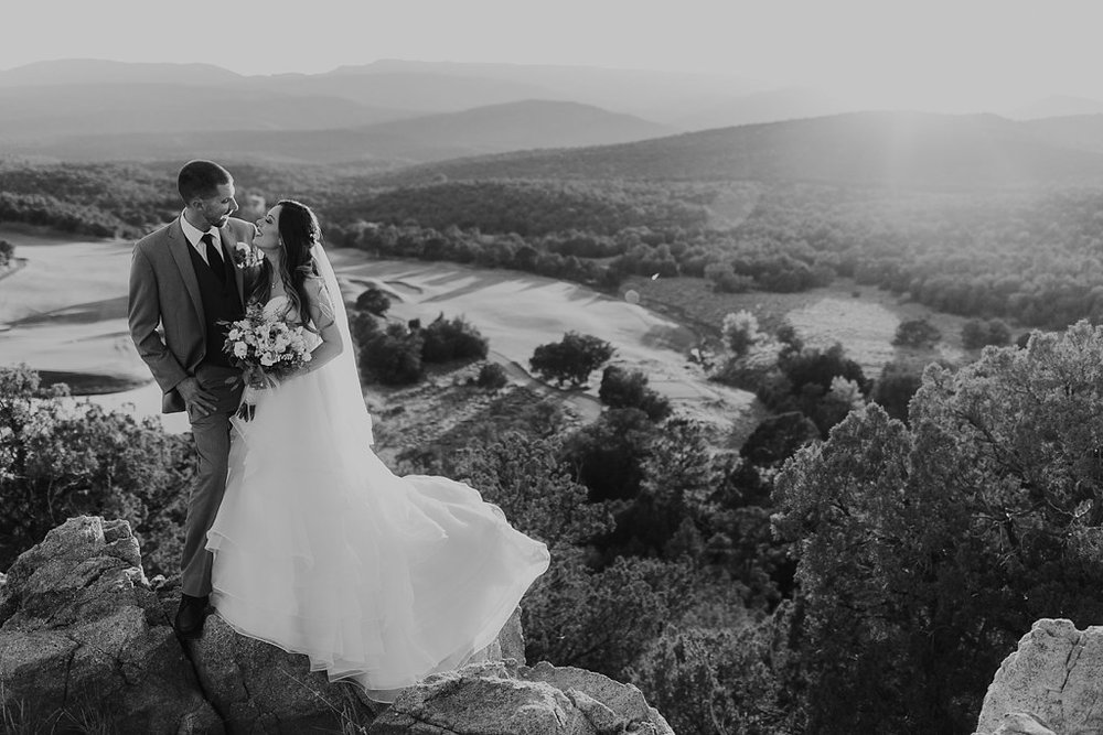 Alicia+lucia+photography+-+albuquerque+wedding+photographer+-+santa+fe+wedding+photography+-+new+mexico+wedding+photographer+-+albuquerque+wedding+-+paako+ridge+golf+club+-+paako+ridge+golf+club+wedding_0069.jpg