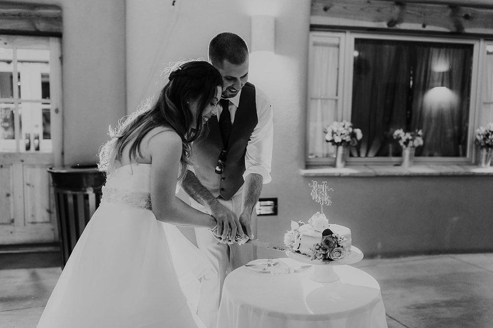 Alicia+lucia+photography+-+albuquerque+wedding+photographer+-+santa+fe+wedding+photography+-+new+mexico+wedding+photographer+-+albuquerque+wedding+-+paako+ridge+golf+club+-+paako+ridge+golf+club+wedding_0103.jpg