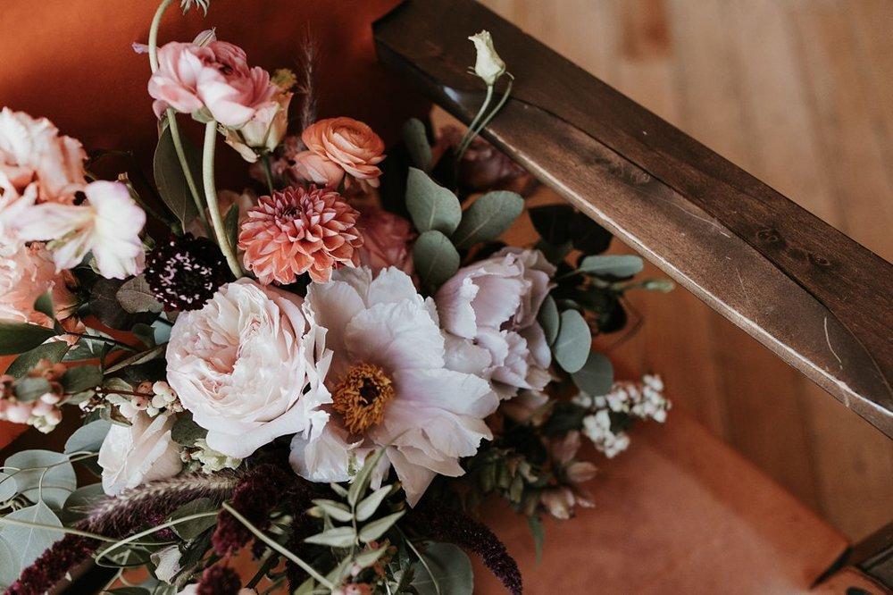 Alicia+lucia+photography+-+albuquerque+wedding+photographer+-+santa+fe+wedding+photography+-+new+mexico+wedding+photographer+-+new+mexico+wedding+-+santa+fe+wedding+-+la+fonda+wedding+-+la+fonda+fall+wedding_0005.jpg