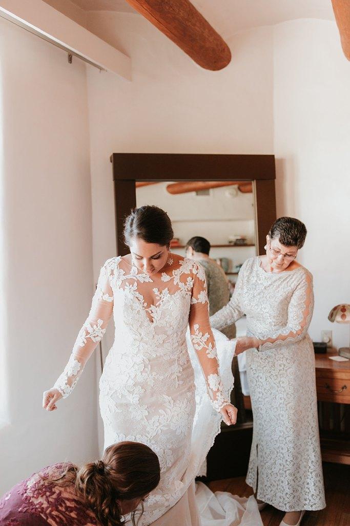 Alicia+lucia+photography+-+albuquerque+wedding+photographer+-+santa+fe+wedding+photography+-+new+mexico+wedding+photographer+-+new+mexico+wedding+-+santa+fe+wedding+-+albuquerque+wedding+-+wedding+dresses+-+fall+wedding+dress_0009.jpg