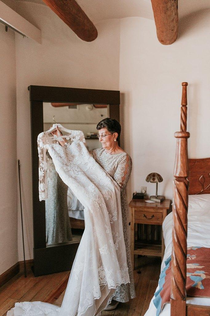Alicia+lucia+photography+-+albuquerque+wedding+photographer+-+santa+fe+wedding+photography+-+new+mexico+wedding+photographer+-+new+mexico+wedding+-+santa+fe+wedding+-+albuquerque+wedding+-+wedding+dresses+-+fall+wedding+dress_0010.jpg