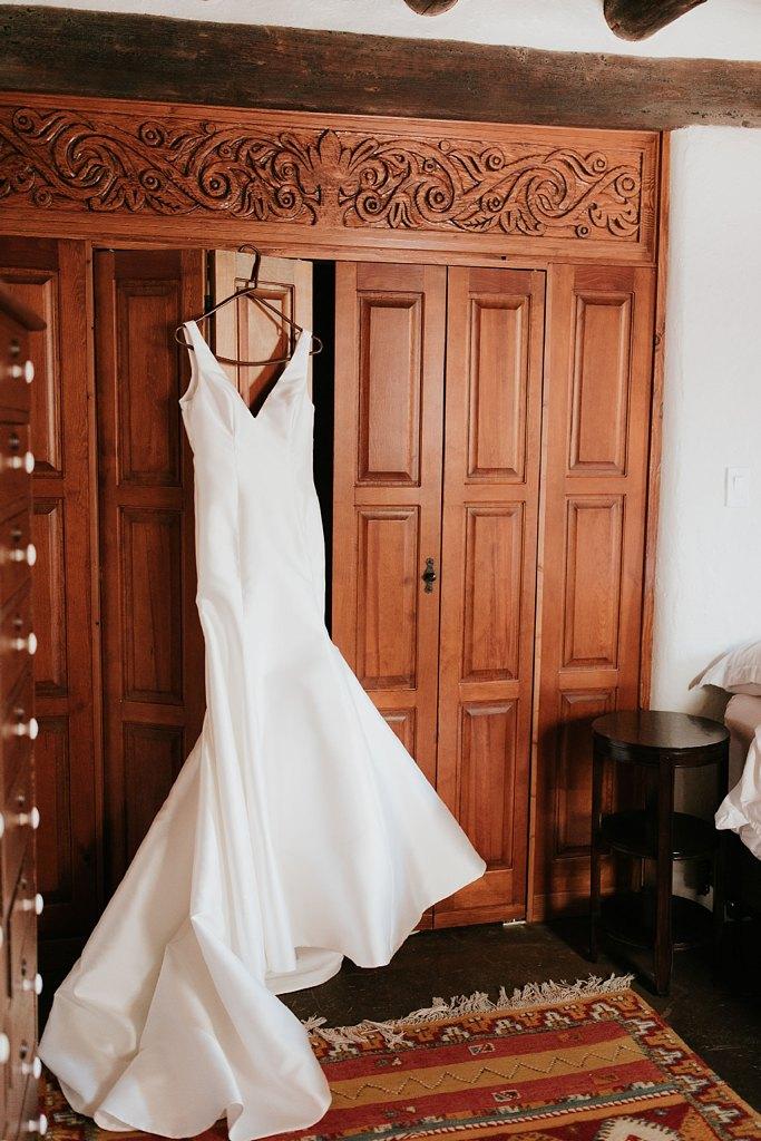 Alicia+lucia+photography+-+albuquerque+wedding+photographer+-+santa+fe+wedding+photography+-+new+mexico+wedding+photographer+-+new+mexico+wedding+-+santa+fe+wedding+-+albuquerque+wedding+-+wedding+dresses+-+fall+wedding+dress_0036.jpg