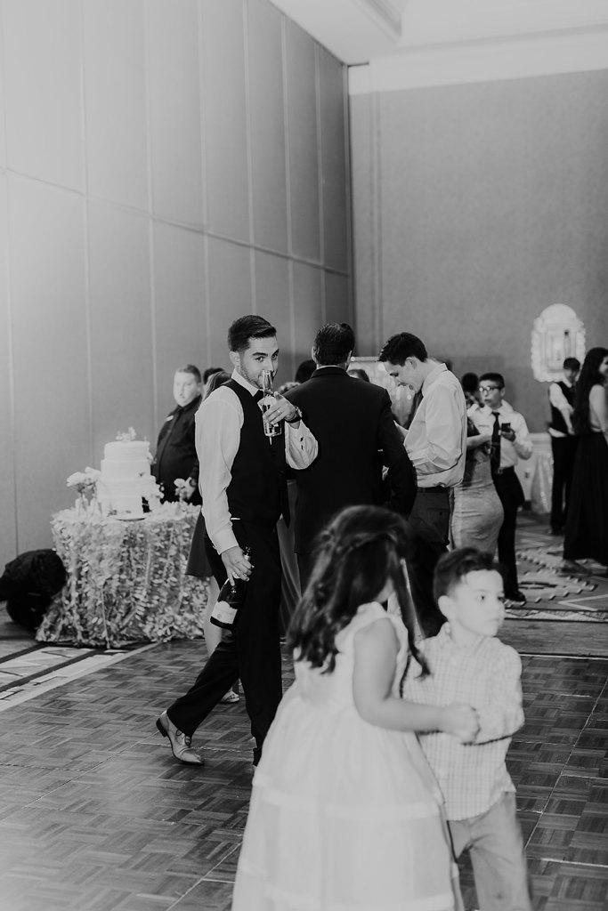 Alicia+lucia+photography+-+albuquerque+wedding+photographer+-+santa+fe+wedding+photography+-+new+mexico+wedding+photographer+-+new+mexico+wedding+-+albuquerque+wedding+-+hotel+albuquerque+wedding_0081.jpg